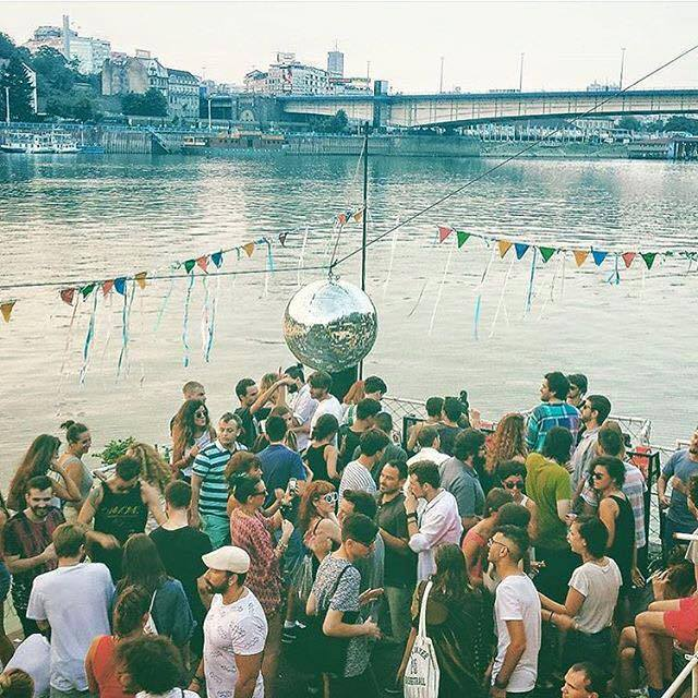 belgrade raft on water