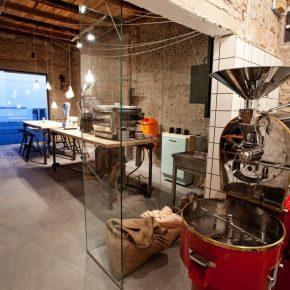 Top 10 39 design 39 bars restaurants in belgrade still in for Tattoo shops belgrade mt