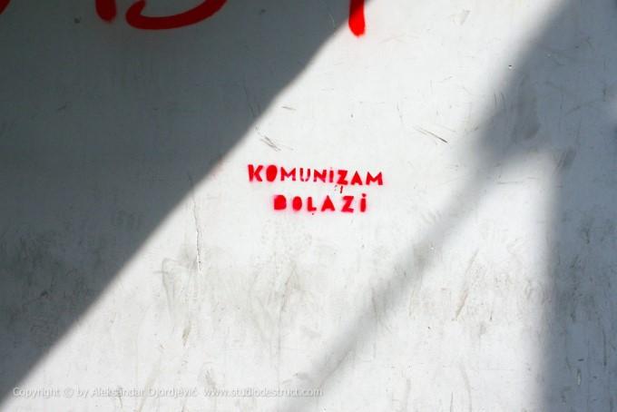 Beogradski grafiti - komunizam dolazi EDIT