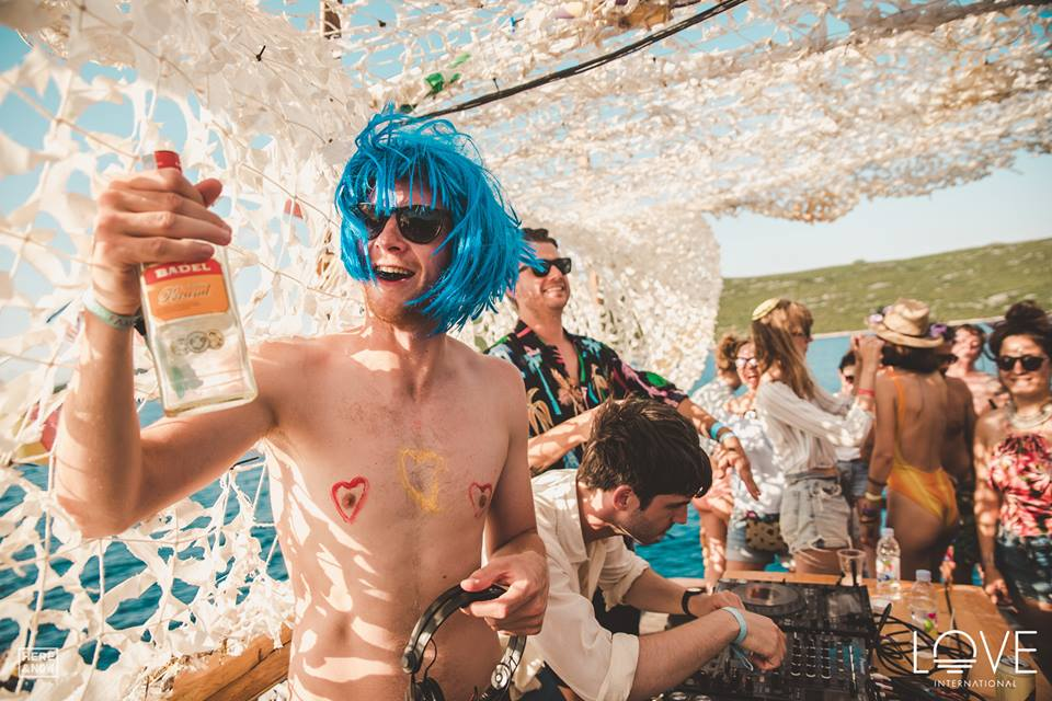 love international boat party