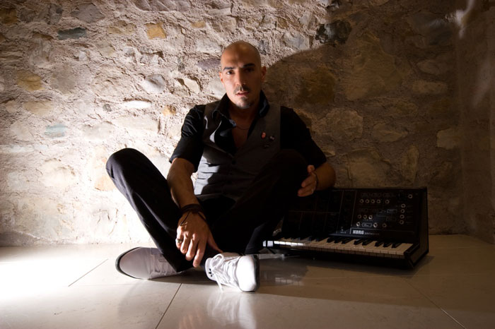 Sam Paganini to Play at DEPO Magacin